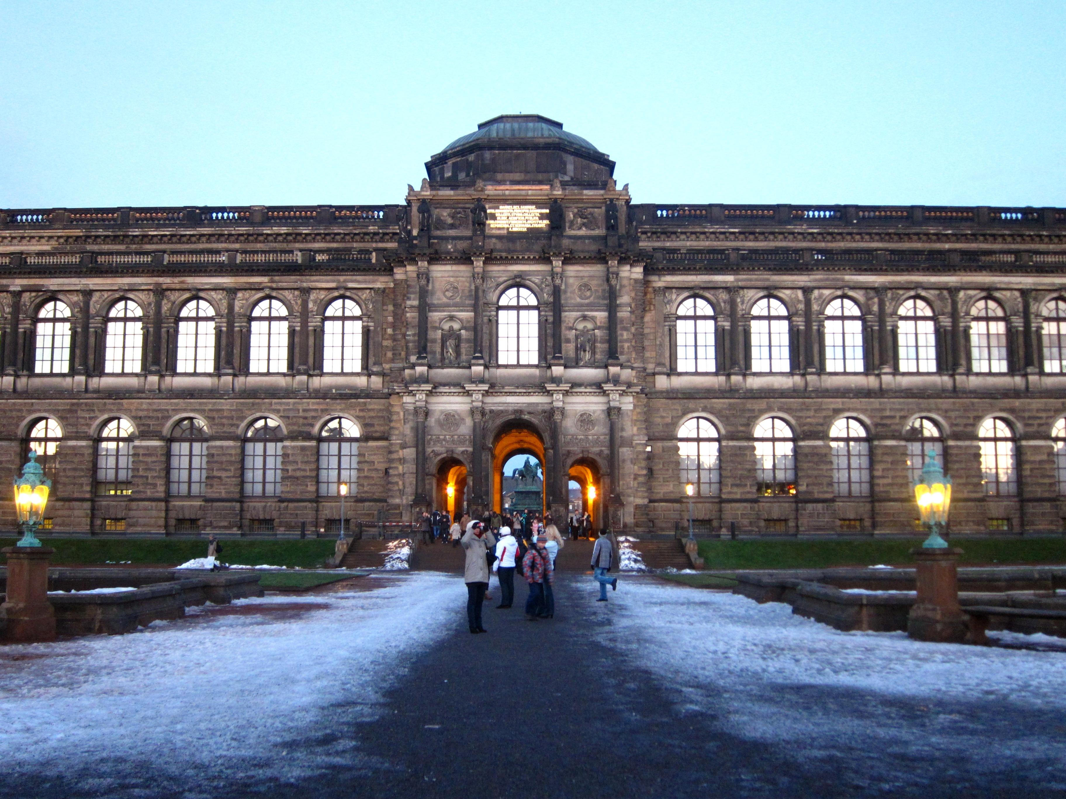 דרזדן - הכניסה לכיכר האופרה